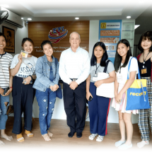 Open Group ESL English Lessons with Teacher Ron